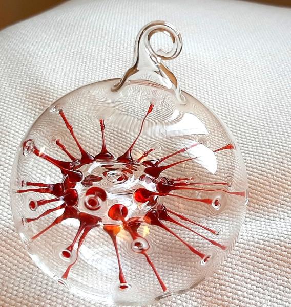"""""""Neuron"""" oder """"Covid"""" Kugel mit roten Fäden, klein"""