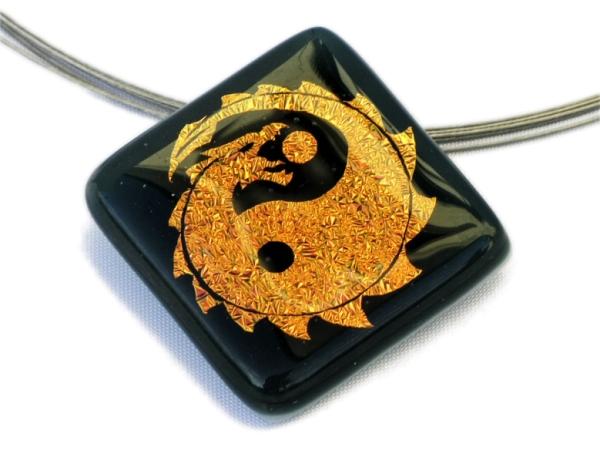 Halskette Yin Yang Dragon dunkelviolett